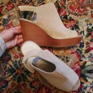 Kenneth Cole Suede Wood Wedge